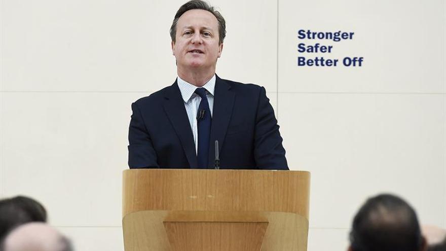 """Cameron alerta del impacto """"devastador"""" del """"brexit"""" en las infraestructuras"""