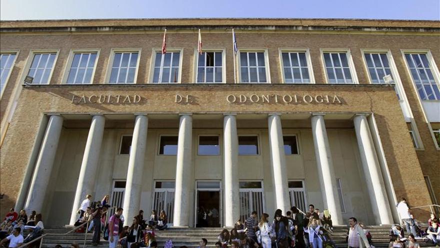 Universitarios estudian pedir a la Defensora del Pueblo que recurra el decreto de becas