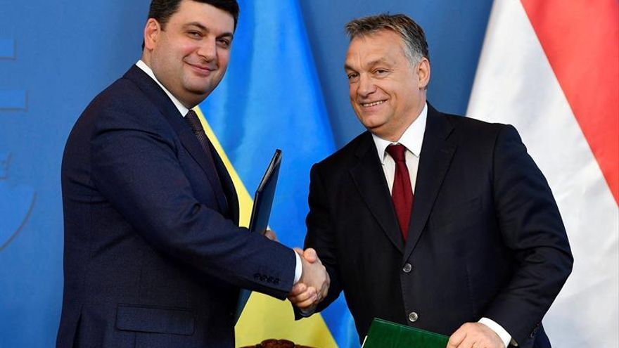 Hungría dará visados gratuitos a ciudadanos ucranianos