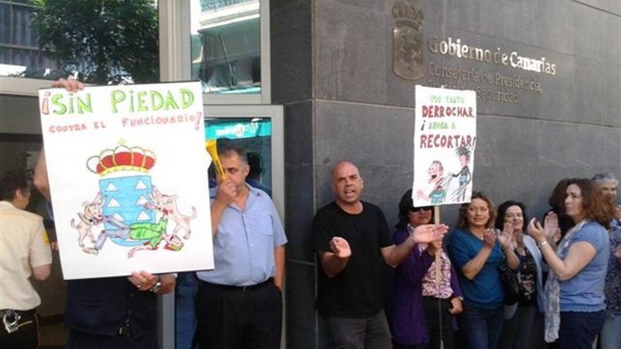 De protestas de funcionarios en LPGC #14
