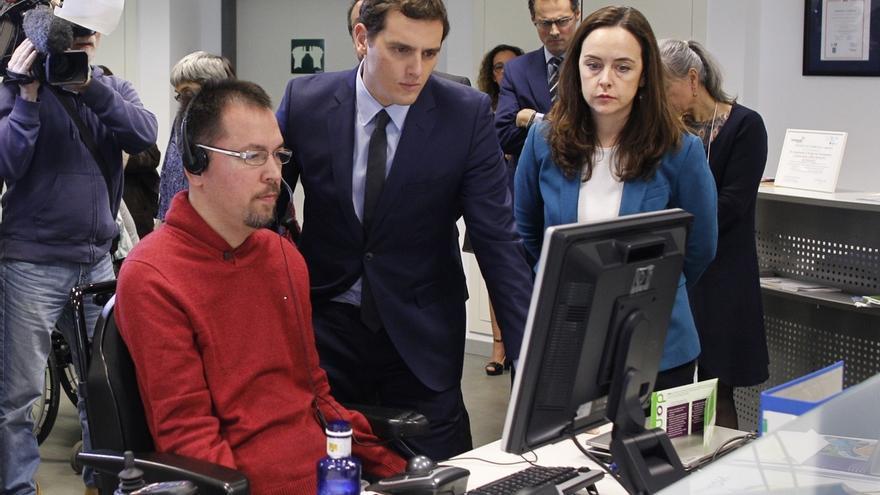 Rivera apuesta por invertir en tecnología que ayude a eliminar barreras para las personas con discapacidad