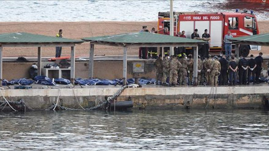 Continúa la búsqueda de cuerpos en Lampedusa, donde ya se han recuperado 194