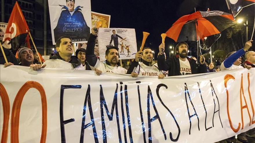 Unas 3.000 personas se manifiestan en Logroño contra el cierre de Altadis