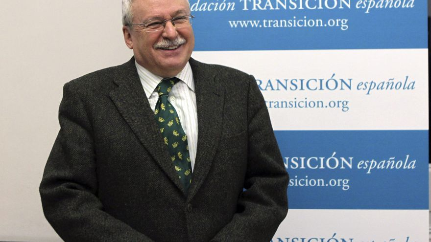 Leguina apunta que González y Botella son electos y pueden dirigir las instituciones