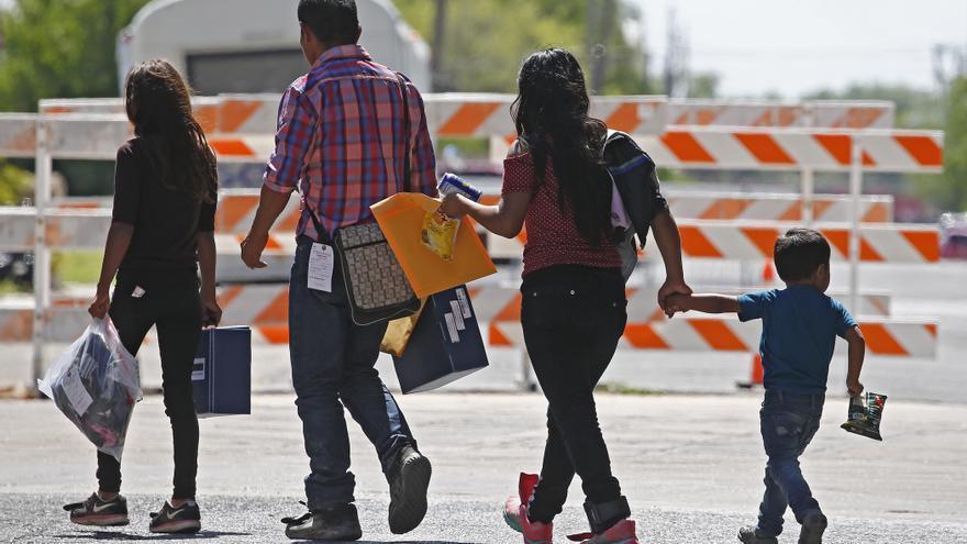 Biden comenzará a reunificar a las familias de inmigrantes separadas por Trump
