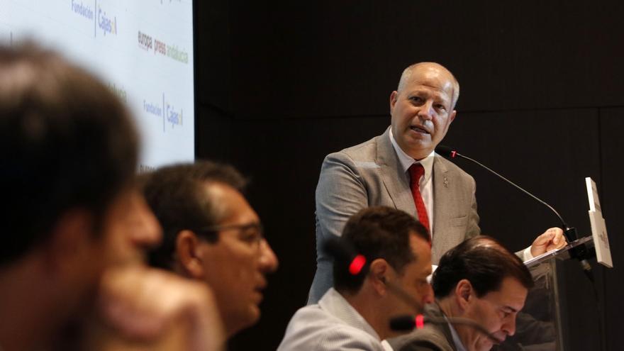 Imbroda se reúne con representantes de las diputaciones para mejorar la colaboración en educación y deporte