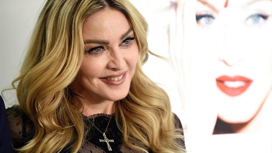 Madonna visita varios orfanatos antes de sus dos conciertos de Manila