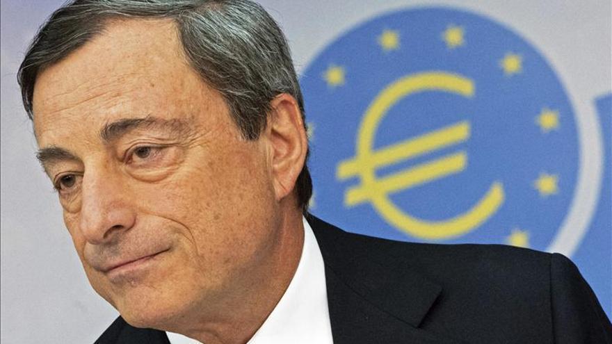 Draghi anuncia la compra de bonos de titulización y de bonos garantizados