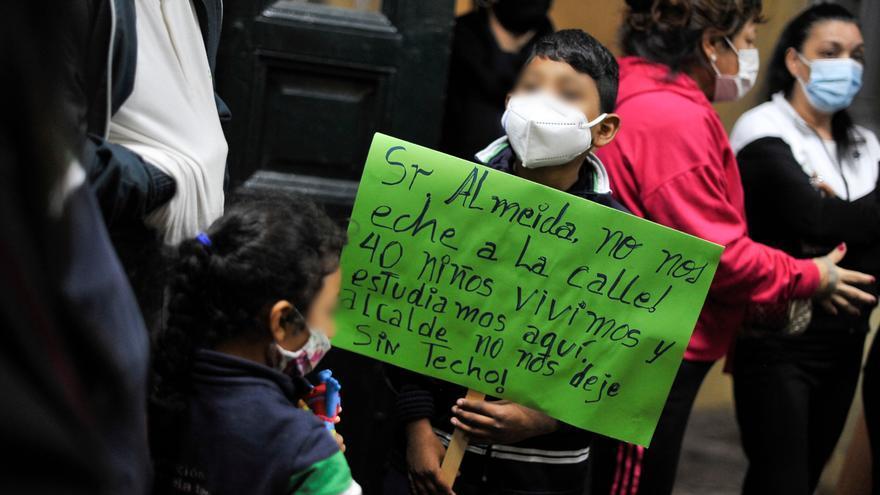Los 250 vecinos de Luna 32 a los que el Ayuntamiento pretende desalojar este martes no se irán sin una alternativa habitacional