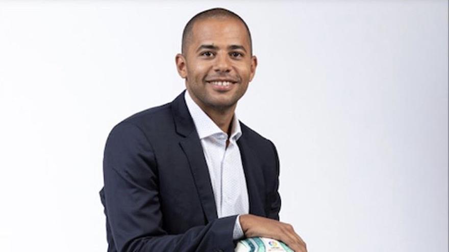 Alberto Edjogo-Owono, comentarista deportivo.