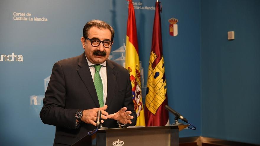 """Fernández dice que en Toledo no hay """"quirófanos disponibles"""" por lo que se están derivando pacientes a otros hospitales"""