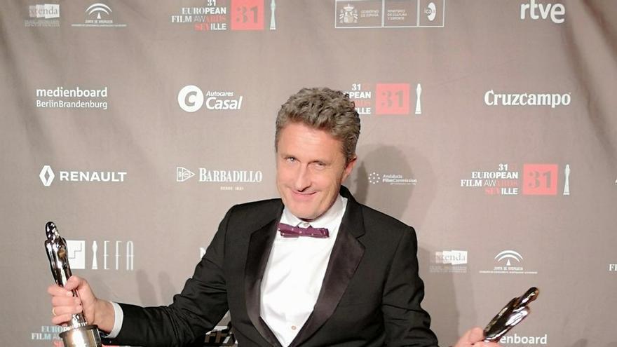 El director polaco Pawel Pawlikowski, en el photocall de los Premios del Cine Europeo en Sevilla
