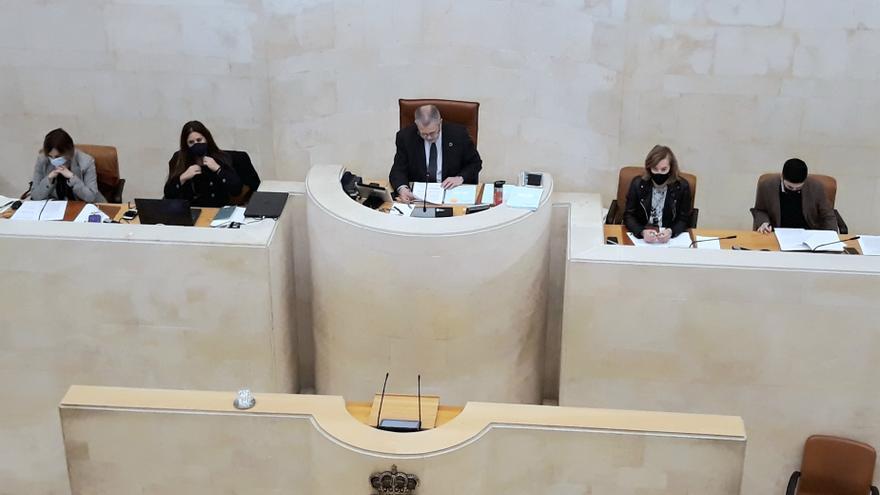 Archivo - El Parlamento se solidariza con los enfermos de cáncer y reconoce que la pandemia los ha hecho más vulnerables