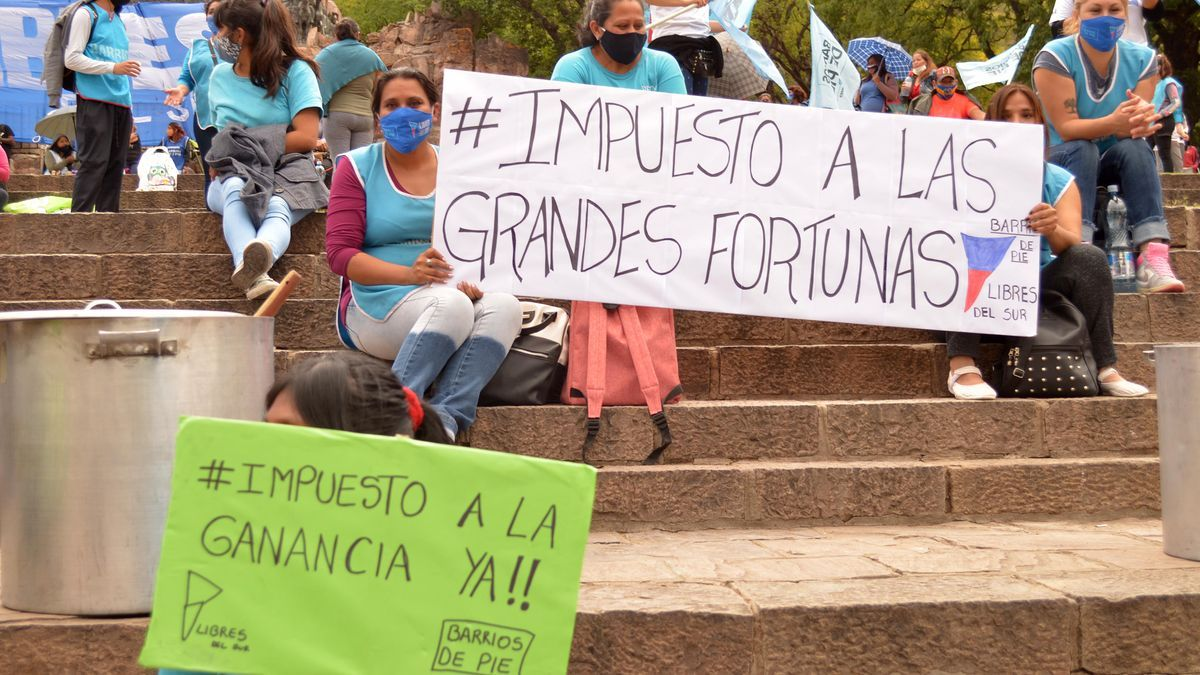 Movilización en Salta en apoyo a la ley de aporte extraordinario a las grandes fortunas