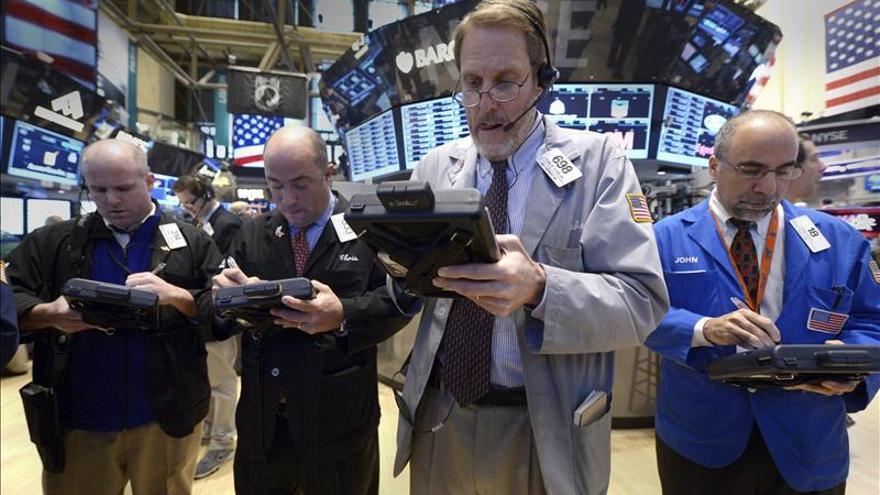 Wall Street abre con pérdidas y el Dow Jones baja un 0,17 por ciento