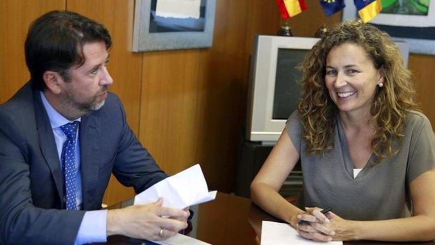 Carlos Alonso y Ornella Chacón, en una reunión de hace meses