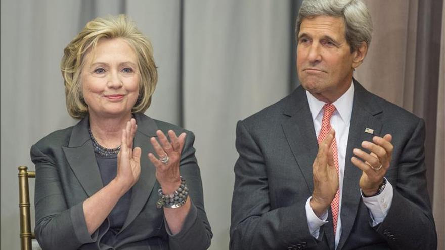 Kerry supera a Clinton en la distancia recorrida como secretario de Estado
