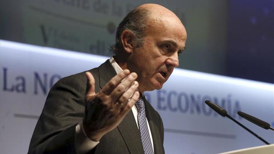 De Guindos asegura que la banca española ya vuelve a cumplir con su papel