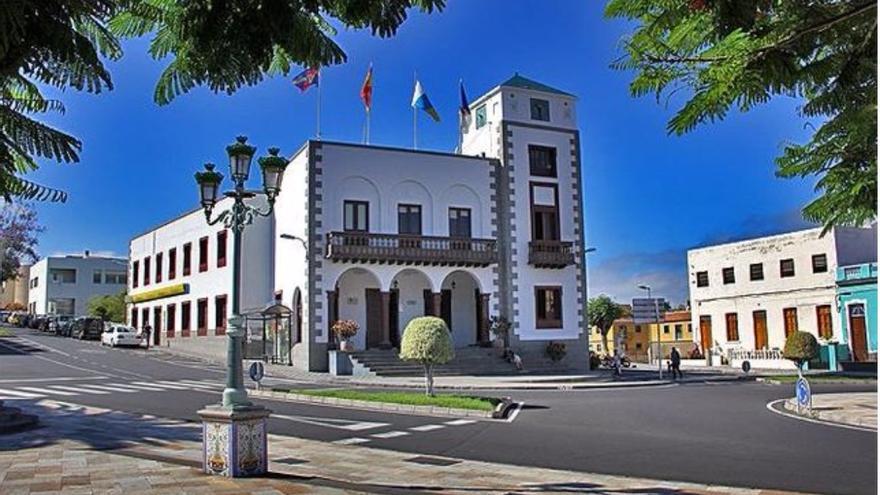 Ayuntamiento de la Villa y Puerto de Tazacorte.