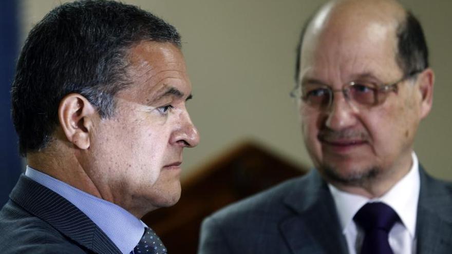 Juez chileno pedirá extradición de francesa por asesinato de senador