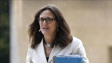 La comisaria europea de Interior aseguró que no es necesaria la violencia para parar la inmigración ilegal