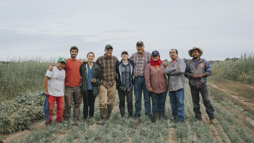 Integrantes de la iniciativa agrícola FarmHub, en el estado de Nueva York