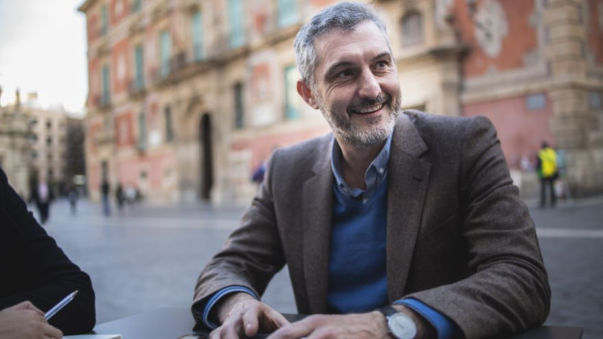 Secretario general de Podemos en Murcia, Óscar Urralburu / David de Flores, Cámara Roja