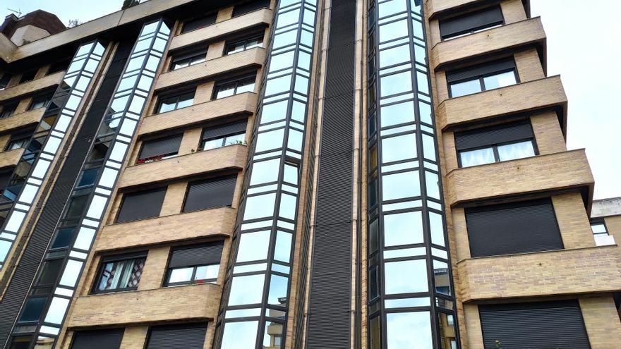 Archivo - Pisos en Oviedo. Recursos de compraventa y alquiler de viviendas de segunda mano en la Plaza Ángel González.