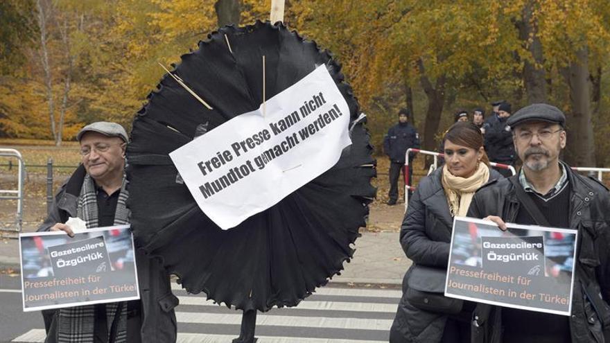 Detenido en Estambul el editor jefe del diario opositor turco Cumhuriyet