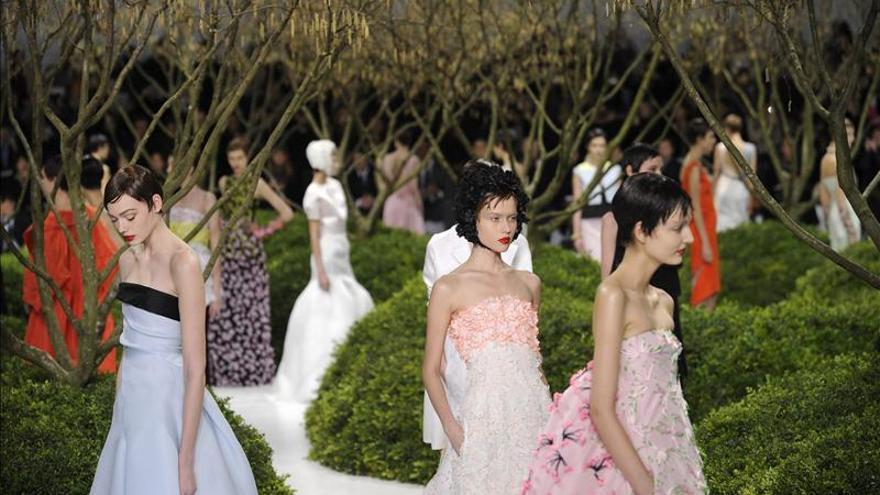 Dior impulsa la Alta Costura en París