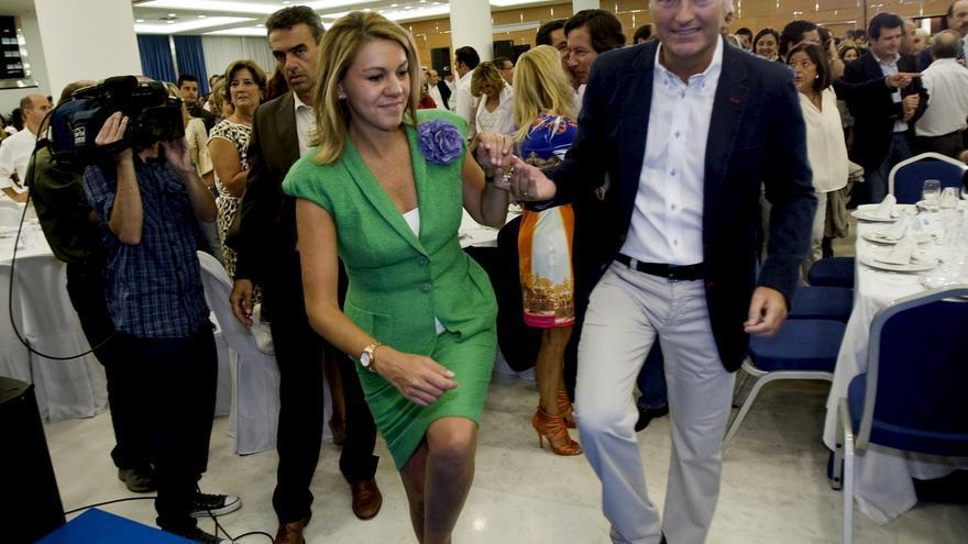 Dolores de Cospedad y el presidente valenciano, Alberto Fabra. Foto: Efe.
