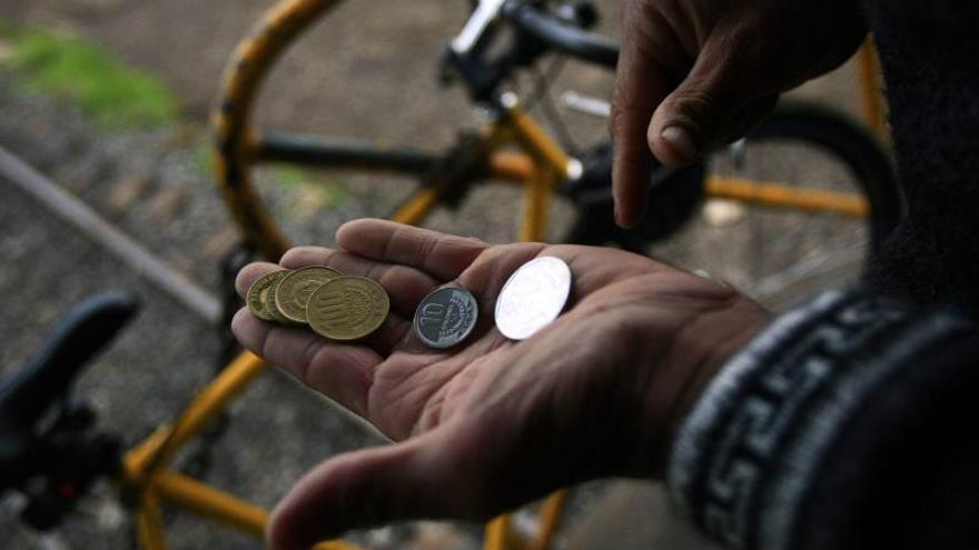 La pobreza extrema se ubicó en un 5,8 % de los hogares, lo que indica que un total de 93.542 hogares no cuentan con los ingresos para satisfacer sus necesidades básicas de alimentación.