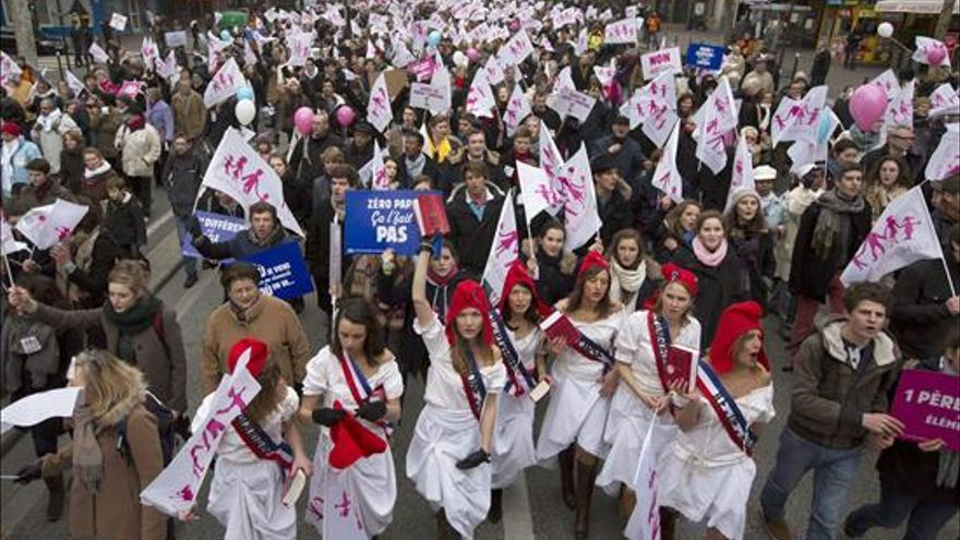 Manifestación celebrada en París contra el proyecto de ley sobre las bodas gay / EFE
