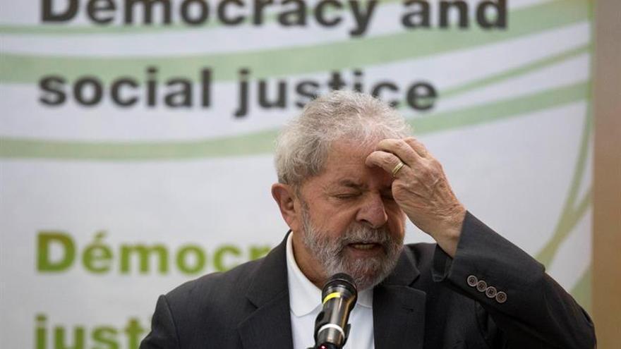 La Fiscalía pide investigar a Lula y a tres ministros de Rousseff por Petrobras