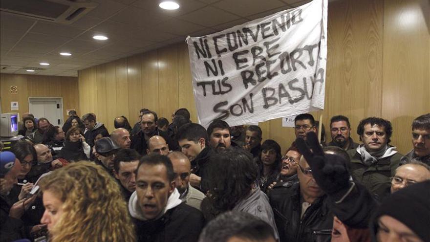 Patronal y sindicatos llegan a un acuerdo que pone fin a la huelga limpieza