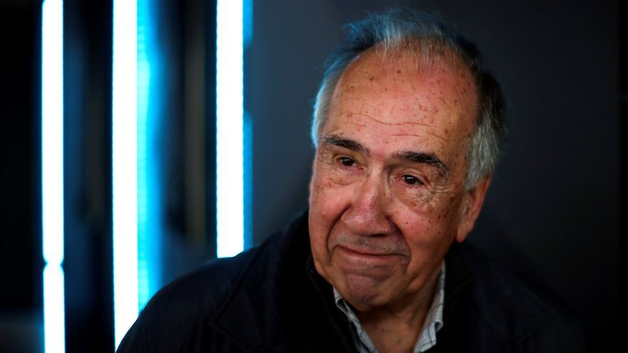 El poeta Joan Margarit en una rueda de prensa tras ser galardonado con el premio Cervantes 2019.