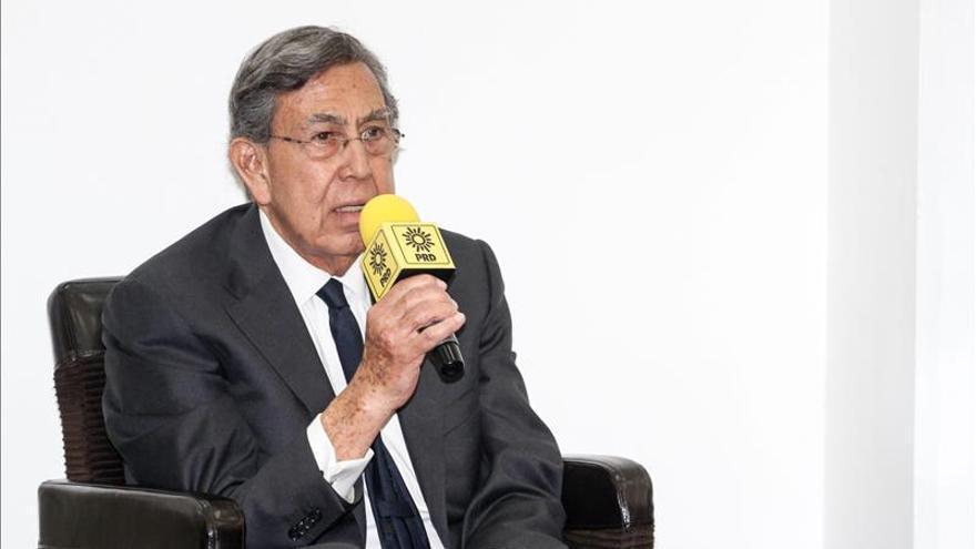 "Cuauhtémoc Cárdenas presenta renuncia ""irrevocable"" al PRD por discrepancias"