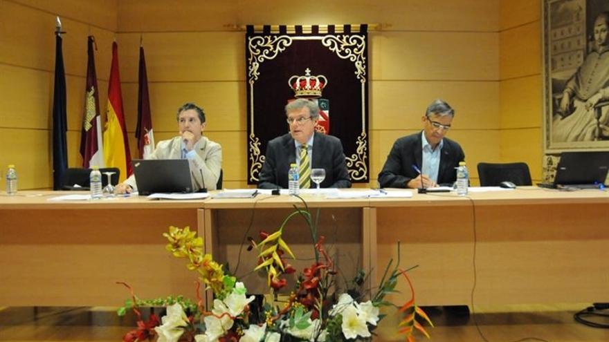 El rector preside el Consejo de Gobierno de la UCLM / Foto: EUROPA PRESS