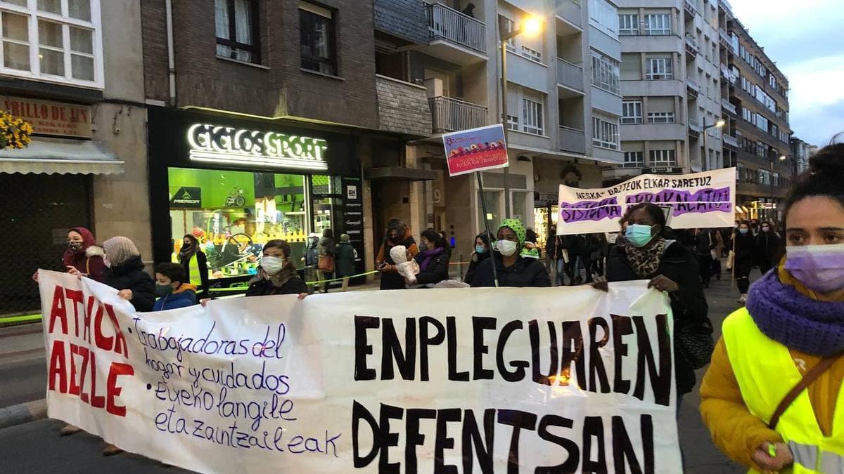 Manifestantes en defensa del empleo, este 8M