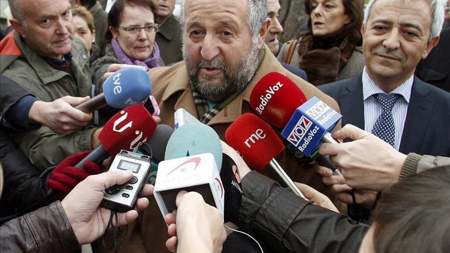 El alcalde de Lugo desvela que Rubalcaba le puso un mensaje de apoyo