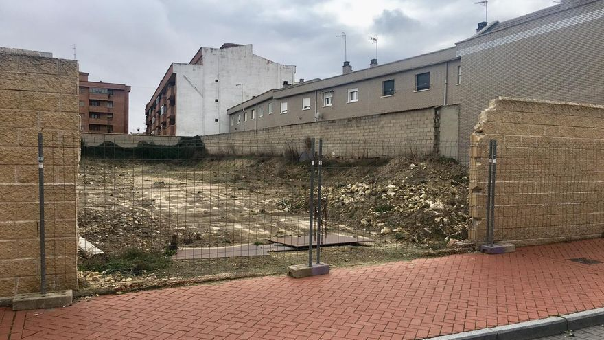 Estado de las obras realizadas sin licencia en el municipio vallisoletano de Olmedo para levantar un velatorio y que causaron destrozos en restos arqueológicos.