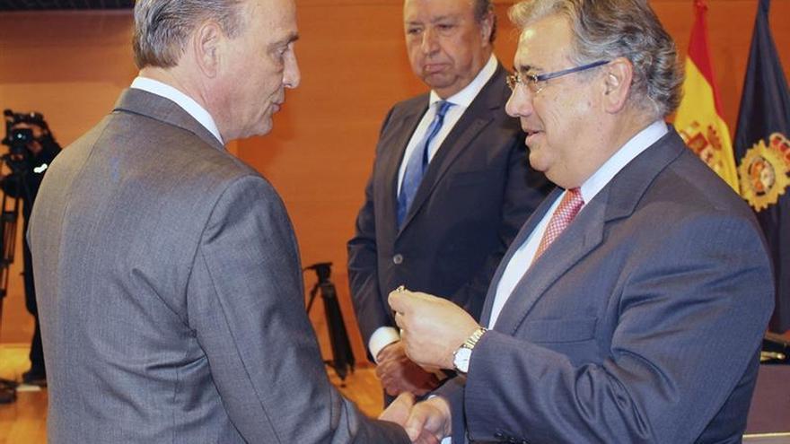 Interior condecora a México por luchar contra ETA, con 40 etarras entregados