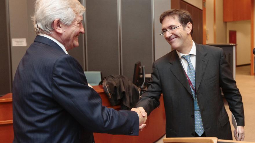 El jurisconsulto del Parlamento Europeo, Freddy Drexler, releva en el cargo a Christian Pennera.