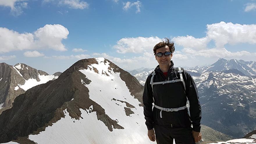 Ricardo Forcano en la cima del Garmo Negro (Huesca).