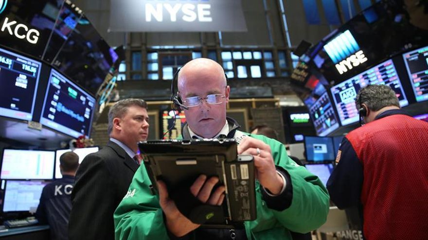 Wall Street abre a la baja y el Dow Jones cede un 0,09 %