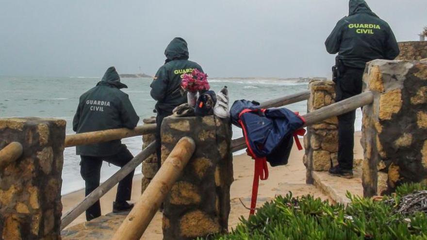 El naufragio de una patera en Cádiz el pasado lunes deja ya 14 cadáveres
