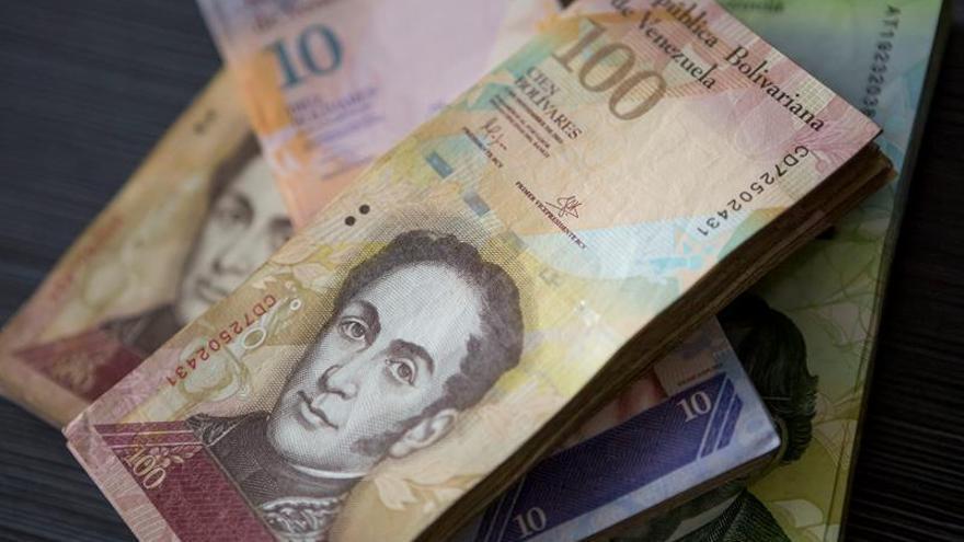 """El Gobierno dará más dinero a los venezolanos en diciembre por """"plan navideño"""""""