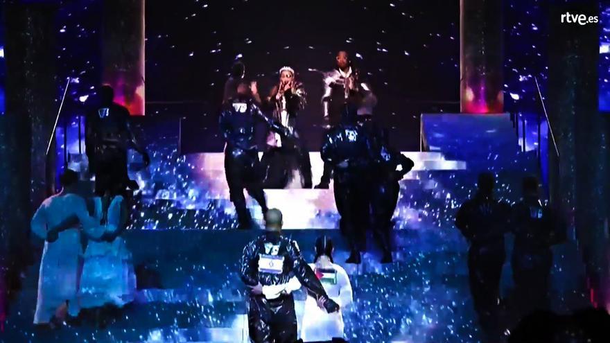 Las banderas de Israel y Palestina, hermanadas por sorpresa durante la actuación de Madonna en Eurovisión