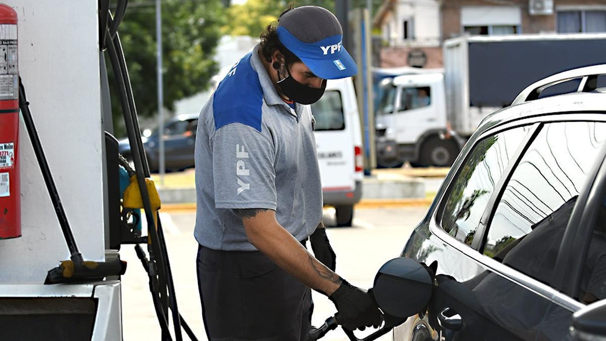 YPF subió en promedio 55% sus combustibles desde agosto pasado