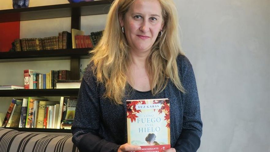 """""""Vivimos en un momento absolutamente romántico"""", afirma la escritora Luz Gabás"""